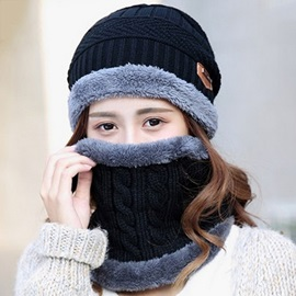 Knitted Outdoor Cycling Hat with Neck Warmer