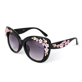 Flower Decorated Women's Sunglasses