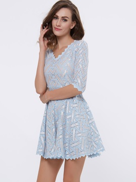 V-Neck Half Sleeve A-Line Day Dress