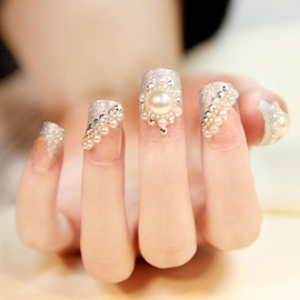Beautiful White Pearl Bridal Fake Nails Patch