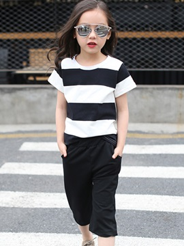Colored Stripe T-Shirt & Loose-Fit Girl's Outfit