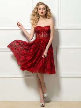 Sweetheart Lace Knee-Length Cocktail Dress Designed