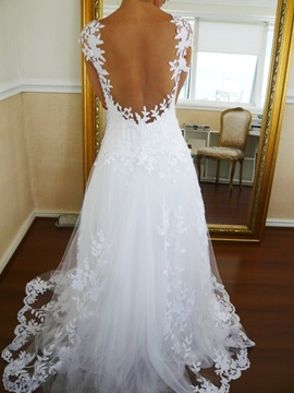 V-Neck Cap Sleeves Lace Appliques Floor Length Backless Wedding Dress