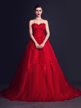 Gorgeous Red Appliques Sweetheart A-Line Court Wedding Dress