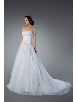 Popularable Appliques&Sequins Chapel Train Zipper-up Strapless Sleeveless Tulle Wedding Dress