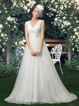 Eye-catching V-Neck Lace Appliques A-Line Plus Size Wedding Dress