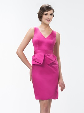 Stunning Sheath V-Neck Zipper-Up Sash Short Bridesmaid Dress