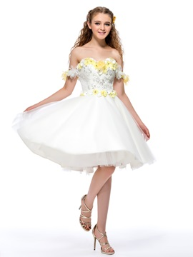 Dazzling Off-the-Shoulder Flowers Sequins A-Line Homecoming Dress