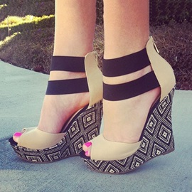 Geometric Peep-Toe Wedge Sandals