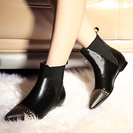 Rivets Pointed Toe Women's Booties
