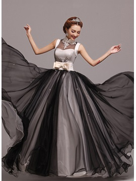 Classic A-Line Appliques Pearls Bowknot High-Neck Floor-Length Prom Dress