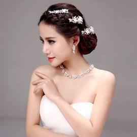 Chic Floral Alloy Wedding Jewelry Sets (Including Hair Flower, Earrings, and Necklace)