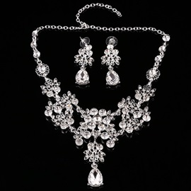 Flower Shaped Alloy with Rhinestone Wedding Jewelry Set