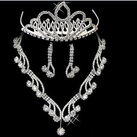 Fantastic Style Alloy with Rhinestone Wedding Jewelry Set(Including Tiara ,Necklace and Earrings)