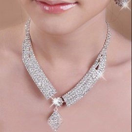 Fantastic Classic Alloy with Rhinestone Wedding Jewelry Set(Including Necklace and Earrings)