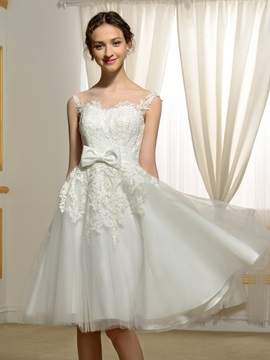 Sheer Sweetheart Lace Appliques Bowknot Knee Length Wedding Dress