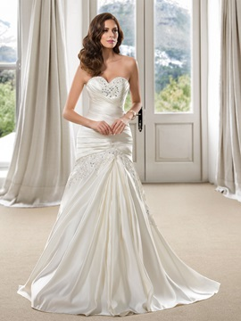Elegant Beaded Sweetheart Plus Size Trumpet Wedding Dress