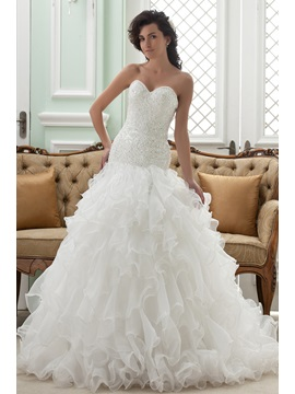 Gorgeous Strapless Ruffles Sweetheart Chapel Train Wedding Dress