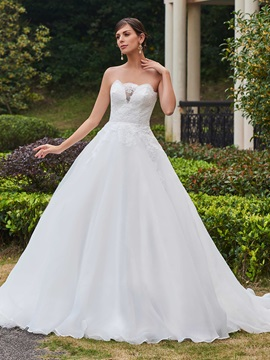 Charming Appliques Strapless Ball Gown Wedding Dress