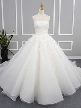 Charming Strapless Appliques Ball Gown Wedding Dress