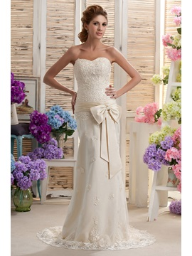 Sexy Sheath/Column Sweetheart Appliques Court Nastya's Wedding Dress