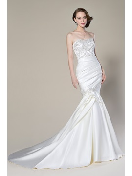 Amazing Trumpet/Mermaid Sleeveless Matte Satin Appliques Sequins Strapless Court Train Wedding Dress