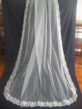 Cute Cathedral Wedding Veil With Lace Applique Edge