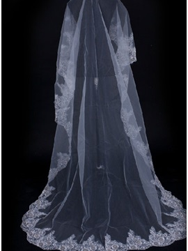 Enchanting Sweetheart Style Cathedral Length White Lace Wedding Veil
