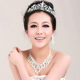Fashion Rhinestone Alloy Wedding Tiara