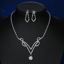 Beautiful Crystal Wedding Jewelry Set(Including Necklace and Earrings)