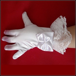 Short White Satin Flowergirls/Children Wedding Gloves with Laciness