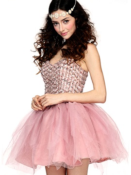 Lovely Sweetheart Beading Short Cocktail/Homecoming Dress & Cocktail Dresses for less