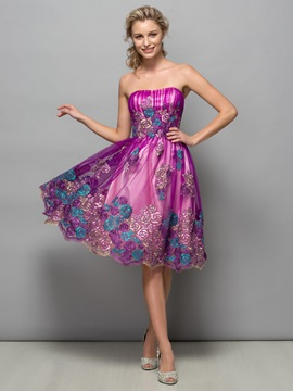 Fancy Strapless Appliques Knee-Length Homecoming Dress & fashion Homecoming Dresses