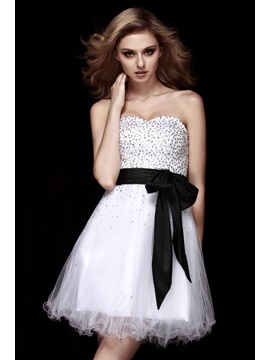 A-Line Sweetheart Sashes Sequins Dasha's Short White Homecoming Dress & Homecoming Dresses under 300