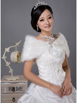 Faddish Faux Fur Shoulder Wedding Wrap With Ball