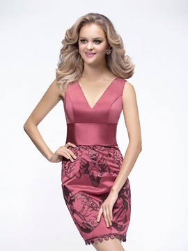 V-Neck Sheath Short-Length Appliques Cocktail/Event Dress
