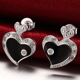 Charming Heart Shaped Stud Earrings