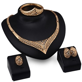 Hollow Alloy Rhinestones Fashion Jewelry Set for Women