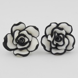 Lovely Rose Stud Earrings