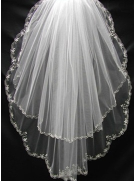 Fantastic Wedding Veils with Floral Edge