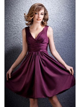 Simple A-Line Knee-Length Pleats V-Neck Daria's Party Dress & attractive Formal Dresses