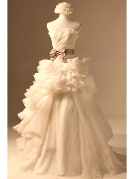 Classical Ruffles A-line Ruched Bodice Strapless Court Train Wedding Dress & formal Wedding Dresses