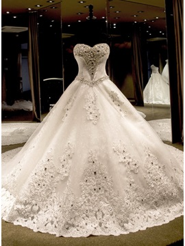 Luxurious Crystal Beading Ball Gown Sweetheart Cathedral Train Wedding Dress & unique Wedding Dresses