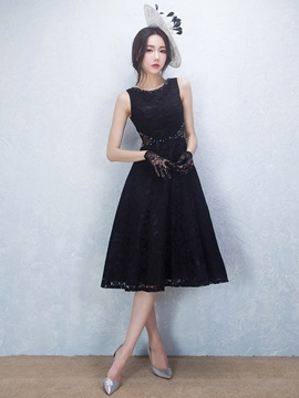Cool Straps Beading Black Lace Cocktail Dress