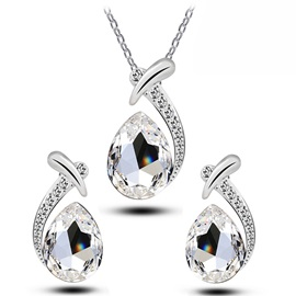 Crystal Pendant Jewelry Set(Including Necklace and Earrings)