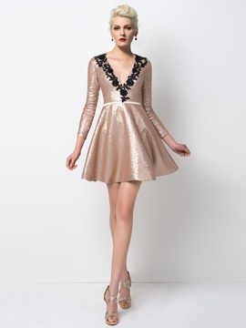 Modern V-Neck Sequins Appliques Short Cocktail Dress Designed