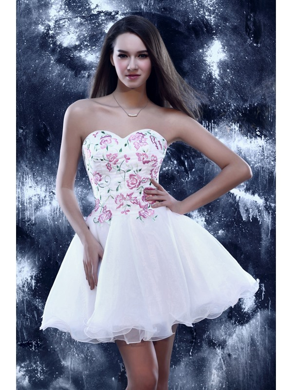 Cute A-Line Mini Sweetheart Embroidery Lace-up Sandra's Homecoming/Sweet 16 Dress