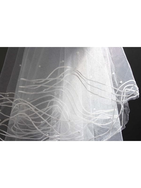 Glamorous Fingertip Wedding Veil with Pearl