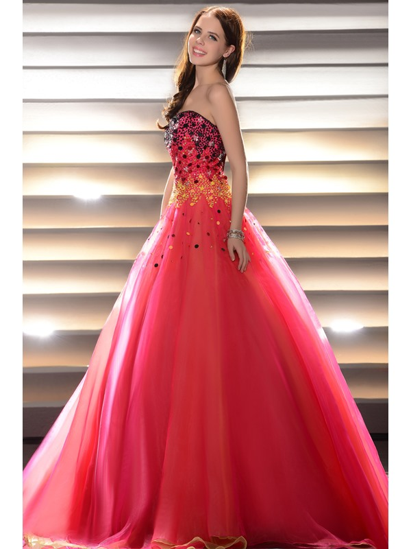 Glimmering Beading&Sequins Floor-Length Strapless Lace-up Quinceanera Dress