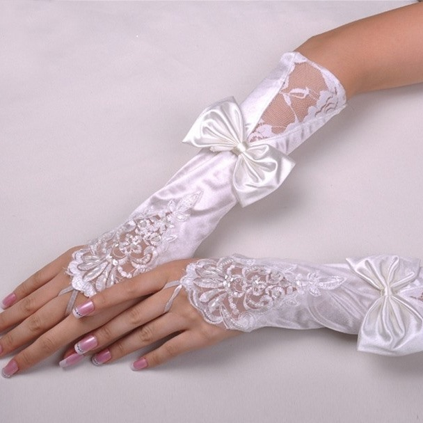 Glorious Finger Less Lace & Bowknot Bridal Gloves